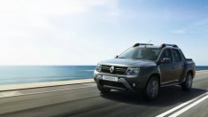 Renault_69470_global_en_resize_1440318685