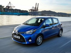 Toyota-Yaris_2015_1600x1200_wallpaper_0c_resize_1418927980